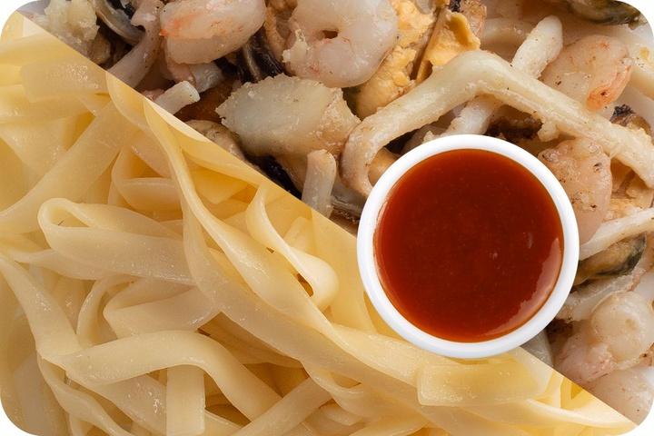 Лапша удон (овощи) + Морепродукты + Остро-сладкий соус