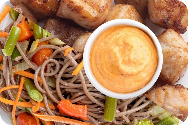 Лапша соба (овощи) + Курица + Сливочный Том ям