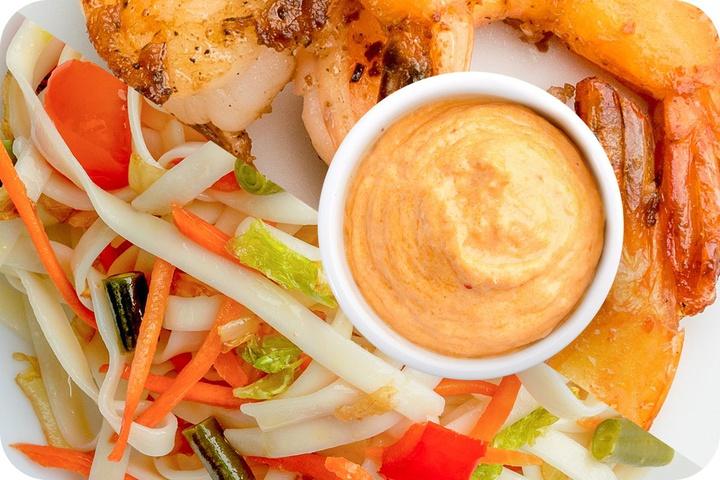 Лапша удон (овощи) + Маринованные тигровые креветки + Сливочный Том ям