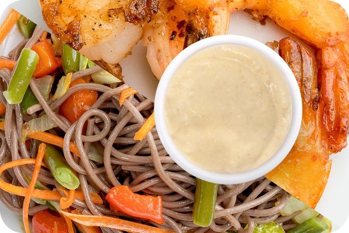 Лапша соба (овощи) + Маринованные тигровые креветки + Соус сливочный Кимчи (острый)