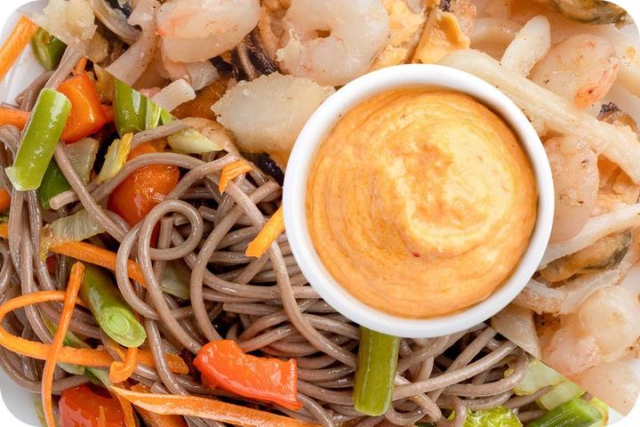 Лапша соба (овощи) + Морепродукты + Сливочный Том ям