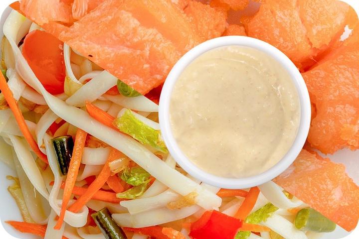 Лапша удон (овощи) + Филе лосося + Соус сливочный Кимчи (острый)