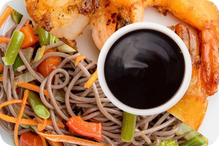 Лапша соба (овощи) + Маринованные тигровые креветки + Соус Терияки