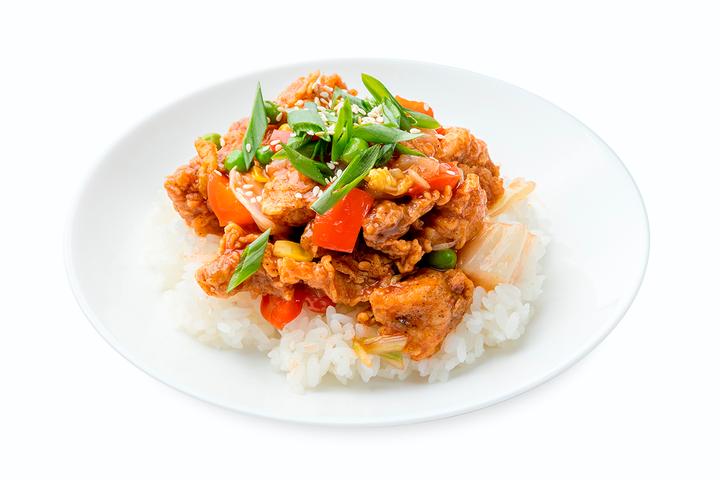 Курица в остро-сладком соусе с рисом