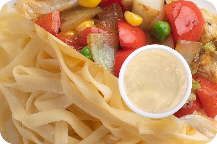 Лапша удон (овощи) + Овощи + Соус сливочный Кимчи (острый)