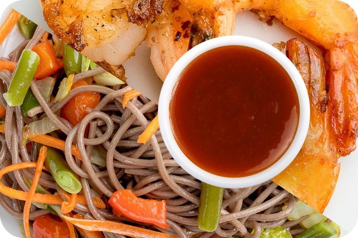 Лапша соба (овощи) + Маринованные тигровые креветки + Остро-сладкий соус
