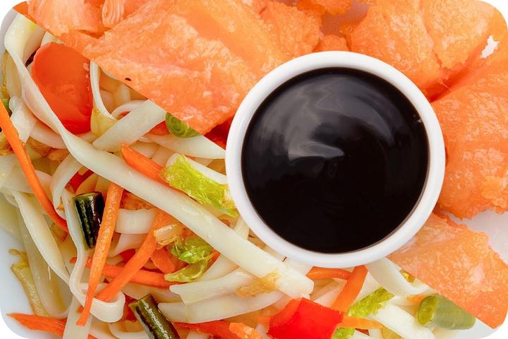 Лапша удон (овощи) + Филе лосося + Соус Терияки