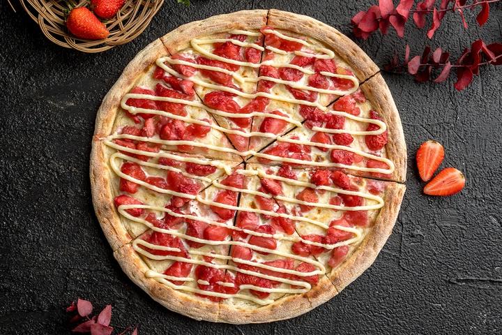 Пицца с клубникой