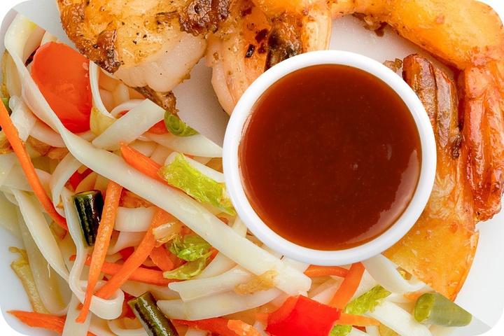 Лапша удон (овощи) + Маринованные тигровые креветки + Остро-сладкий соус