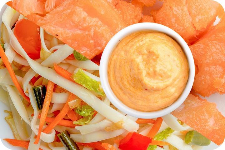 Лапша удон (овощи) + Филе лосося + Сливочный Том ям